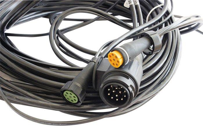 Instalație electriică pentru remorci auto și platforme, conector 13 pini