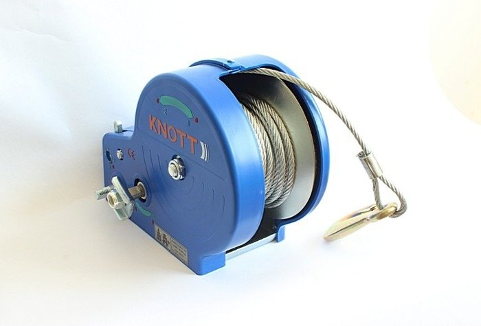 Troliu manual 1135 kg cu cablu și carcasă Knott